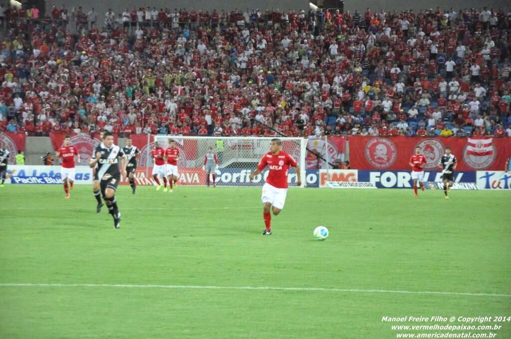 Mecão quer repetir feito de 2014 para eliminar o Vasco nesta quarta (22) pela Copa do Brasil
