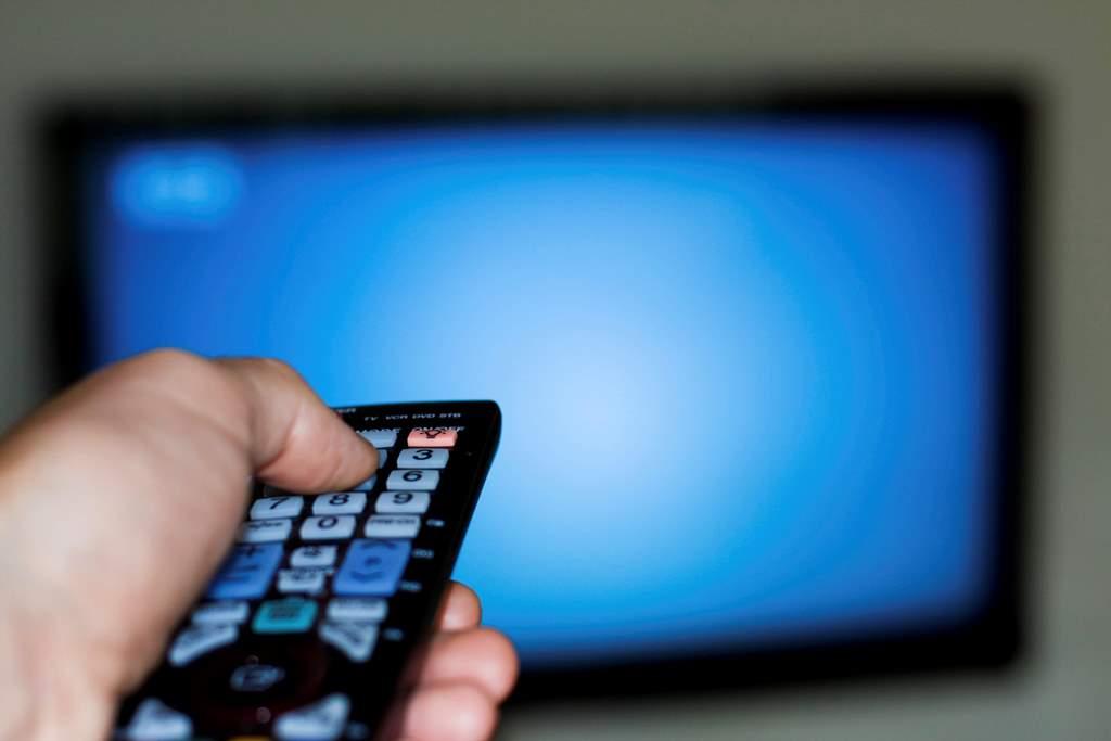 Proposta torna crime interceptação de sinal de TV a cabo