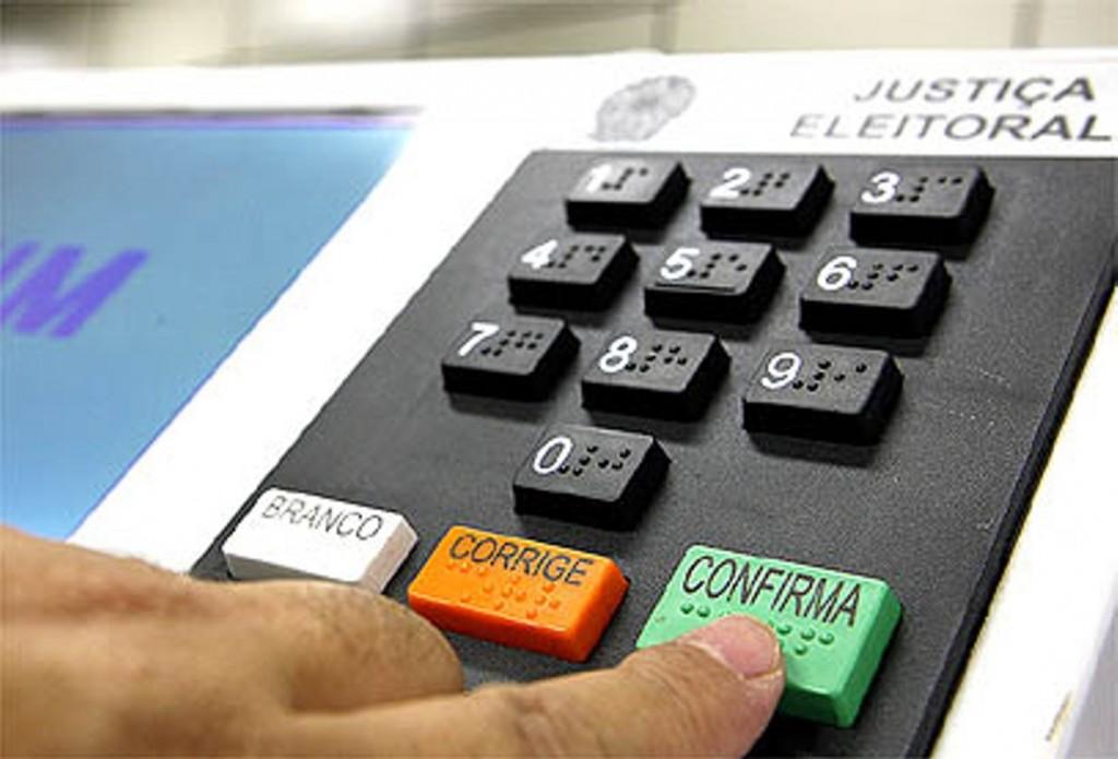 Urnas eletrônicas passam por teste de segurança