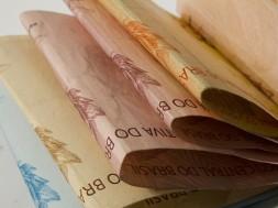 Cédulas de dinheiro.