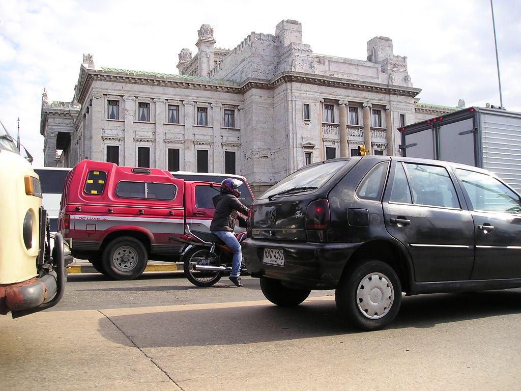 Vendas de veículos caem 20,7% no primeiro semestre