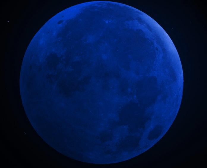 """Fenômeno """"lua azul"""" acontece nesta sexta-feira (31)"""