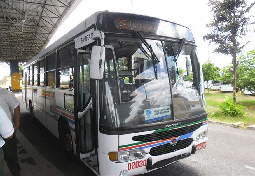 Ônibus de Natal passam a receber meia passagem estudantil em dinheiro