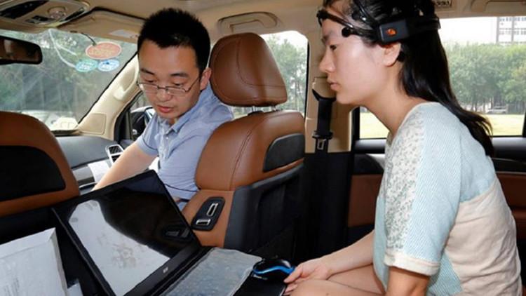 Cientistas apresentam carro que pode ser conduzido com a mente