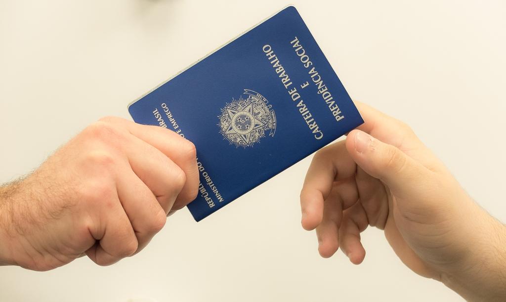 Taxa de desemprego no Brasil fecha em 8,1% no primeiro trimestre