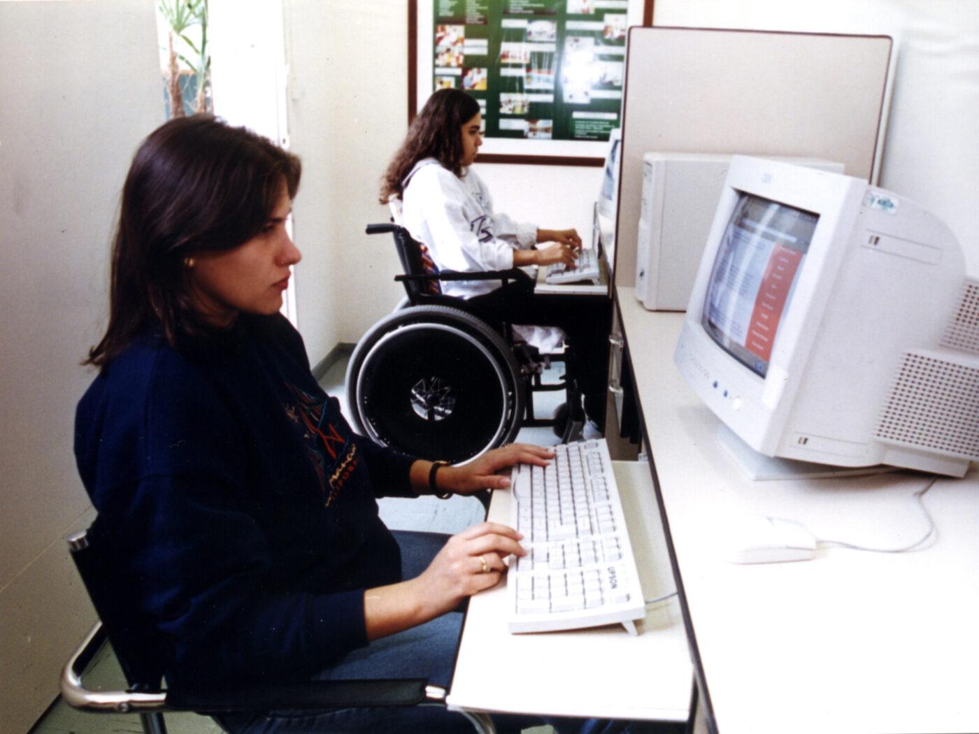 Assembleia aprova projeto para mais vagas de trabalho a deficientes