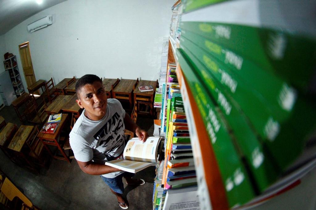 Projeto inclui a leitura como forma de reduzir a pena de condenados