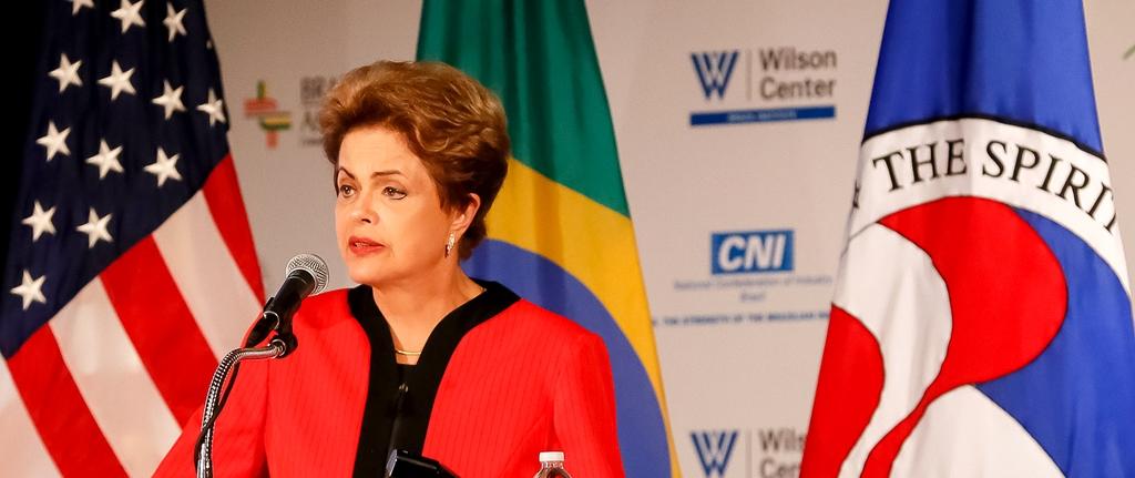 """Jornal britânico """"Financial Times"""" diz que Brasil parece filme de terror sem fim"""