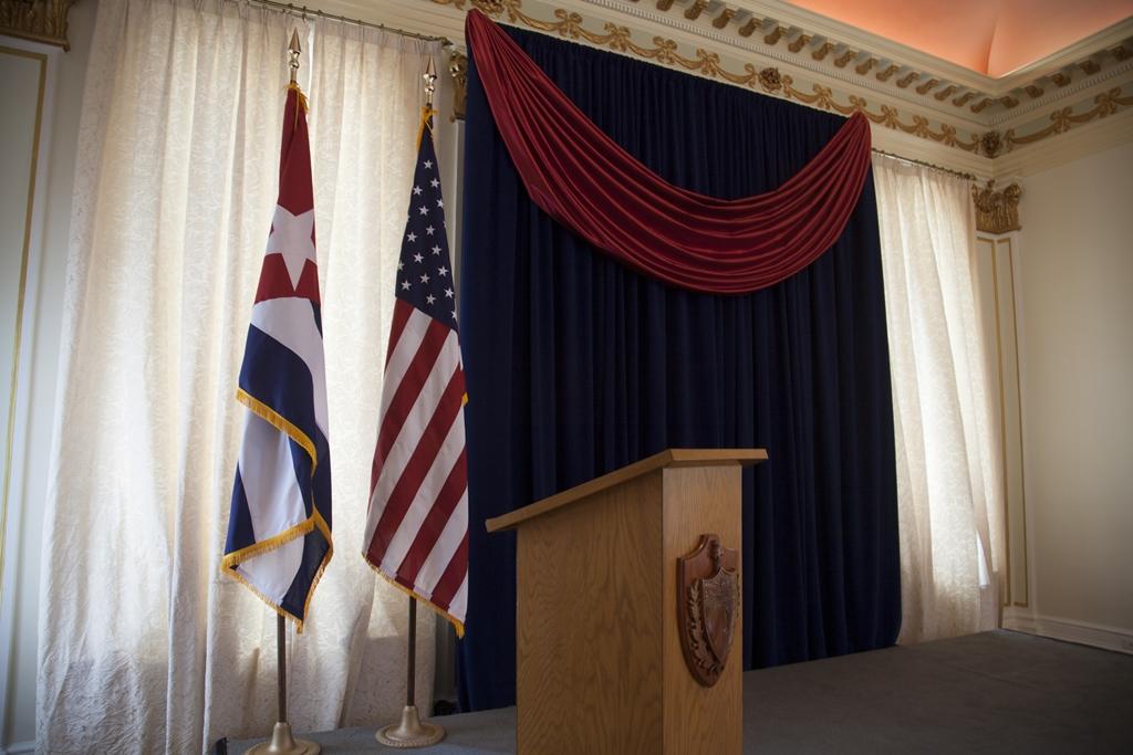 Bandeira cubana é hasteada em Washington após 54 anos
