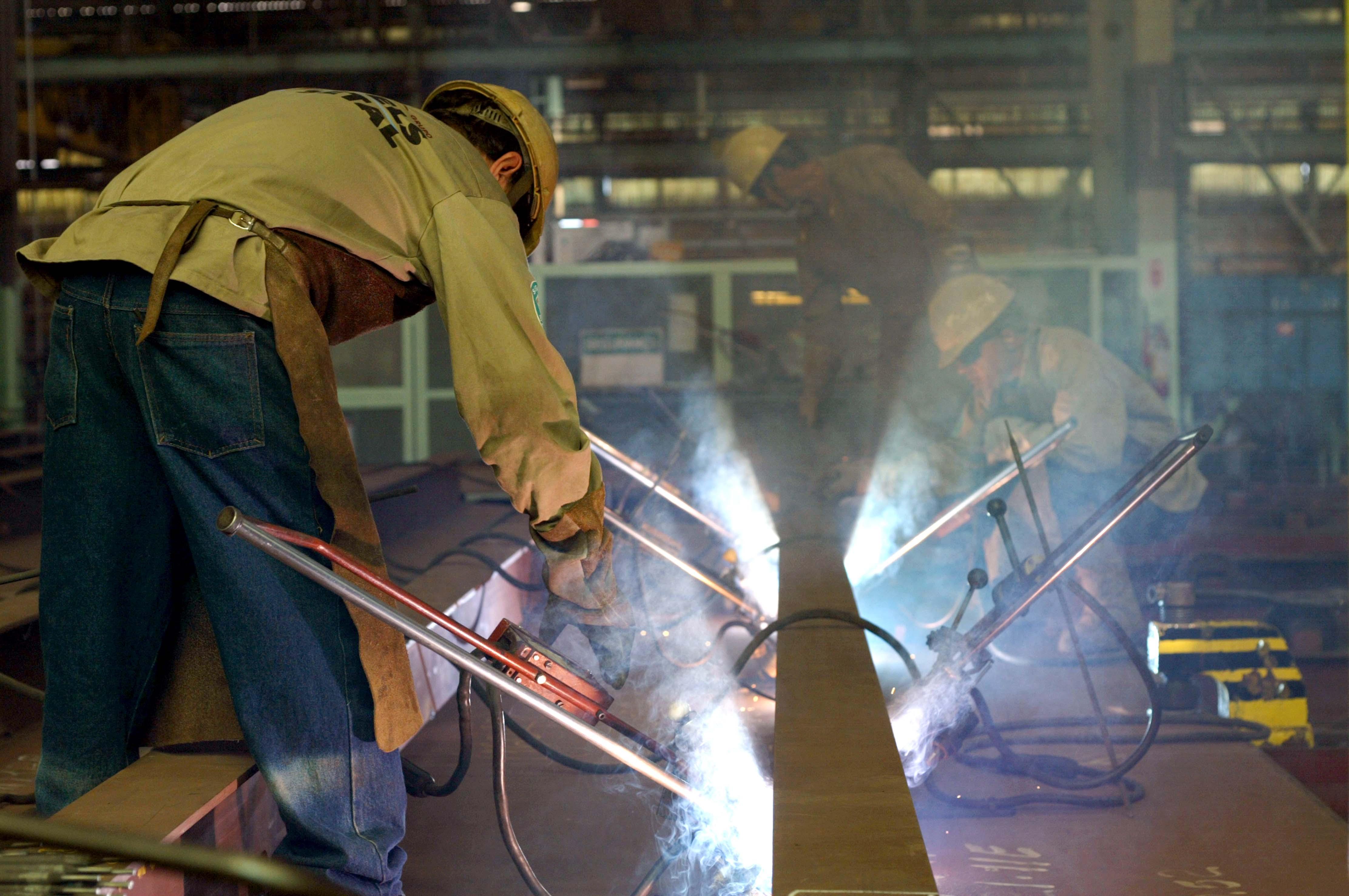 Indústria da construção fecha semestre com 40% de ociosidade