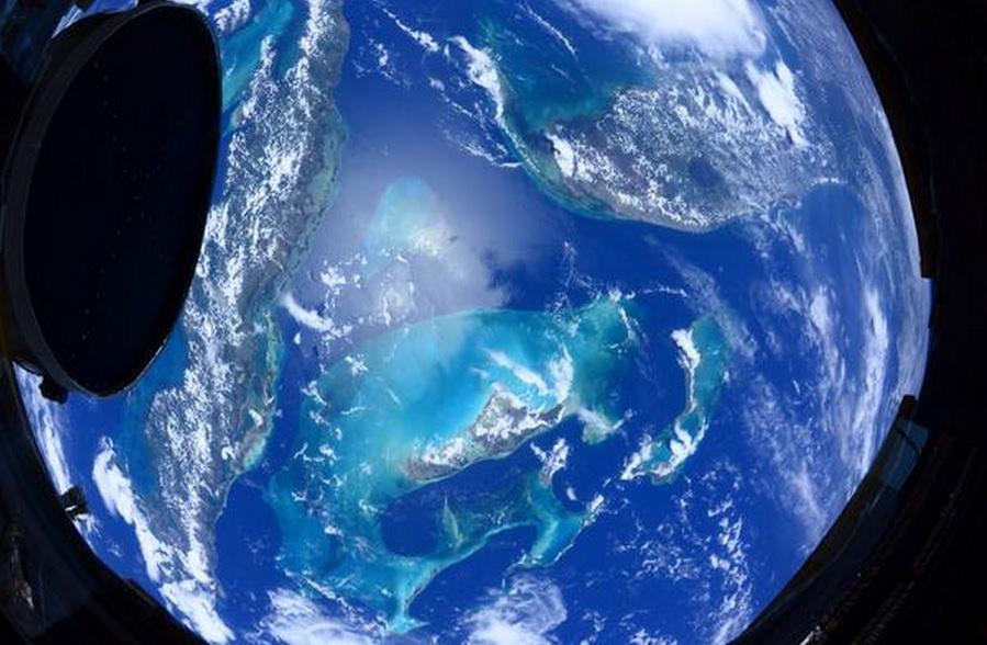 Astronauta publica fotos da Terra vista do espaço, veja