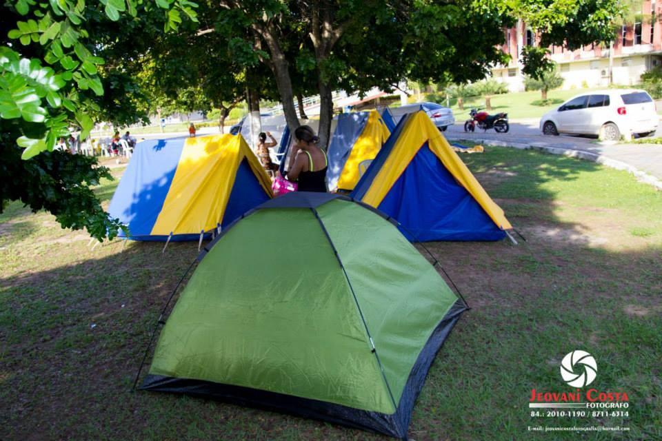 Policiais e bombeiros militares do RN montam acampamento na Governadoria nesta quarta-feira (5)