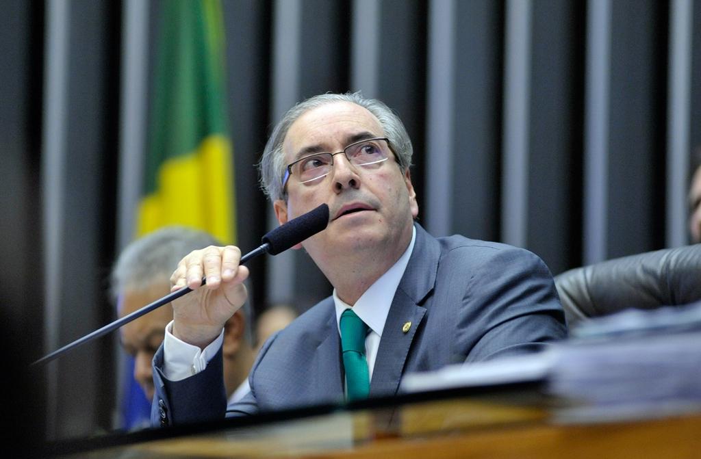 Procuradoria apresenta ao STF denúncia por corrupção contra Cunha e Collor