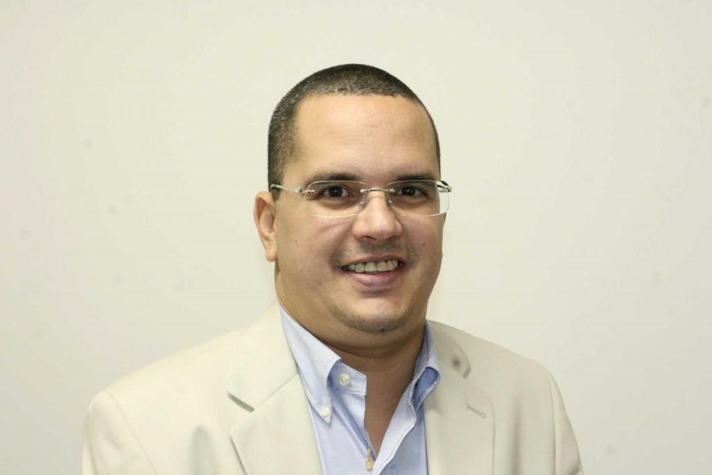 Jornalista Rubens Lemos Filho lança livro sobre a história do 'ABC Futebol Clube'