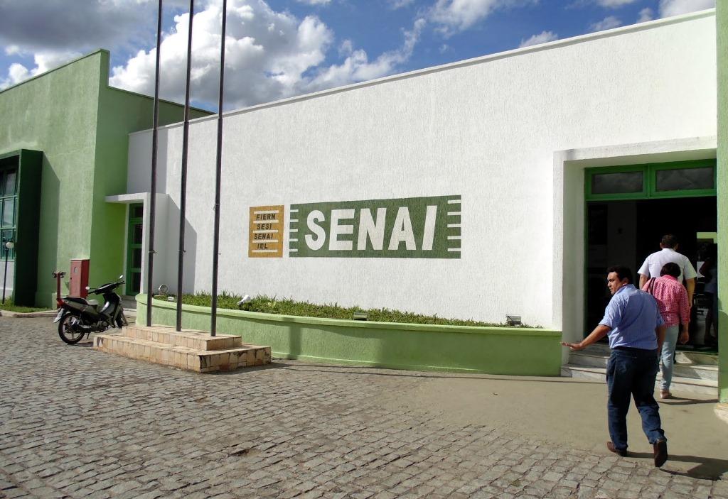 Parceria da SME e SENAI oferecerão cursos gratuitos de formação para alunos e professores de Natal