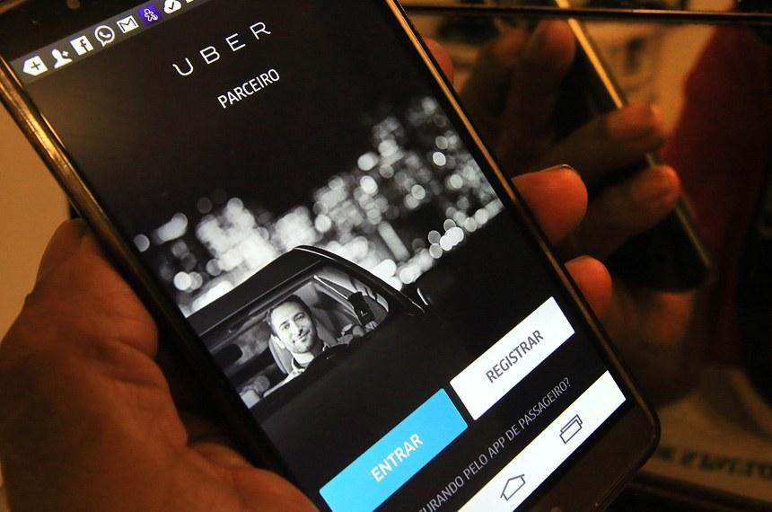 Começa a tramitar projeto que regulamenta serviço do Uber