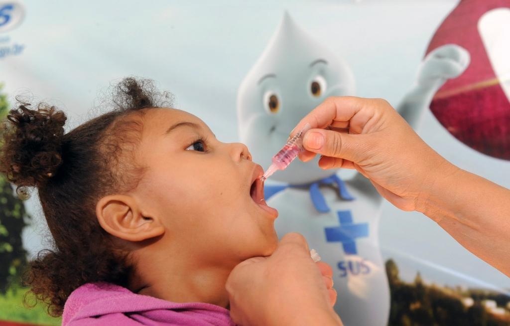 Vacinação contra a paralisia infantil continua disponível nas unidades de saúde