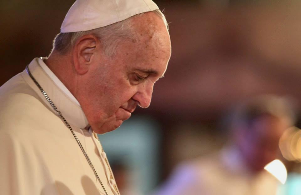 Papa Francisco doa dinheiro para agricultor atingido por terremoto