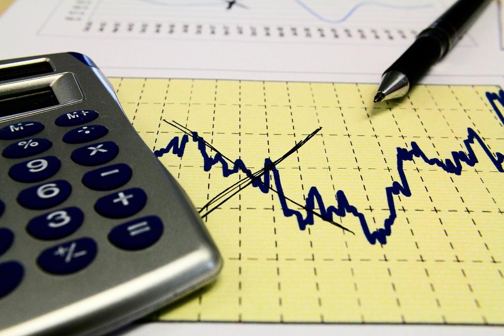 FMI aumenta de 1,5% para 3% projeção de queda da economia brasileira este ano