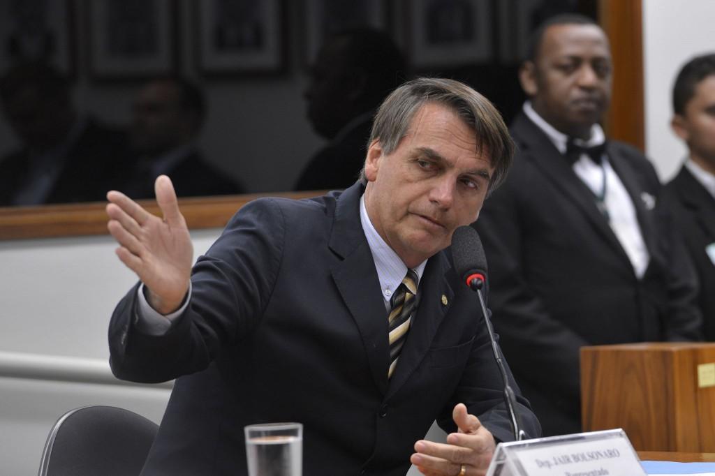 """Bolsonaro diz que refugiados são """"escória do mundo"""" e espera que Dilma sofra um infarto"""