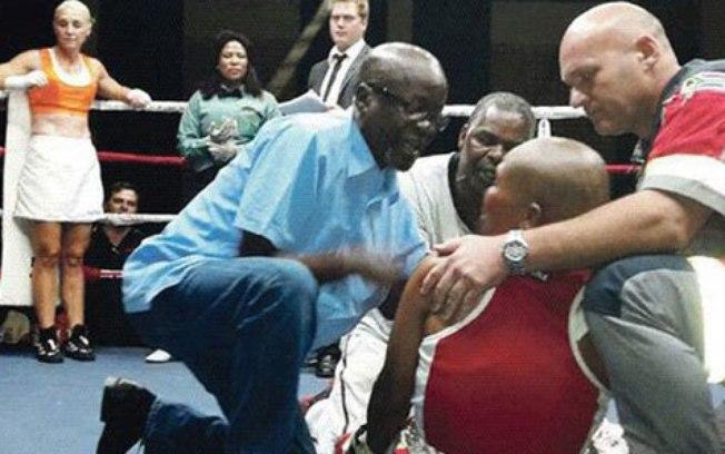 Boxeador sul-africano morre após luta