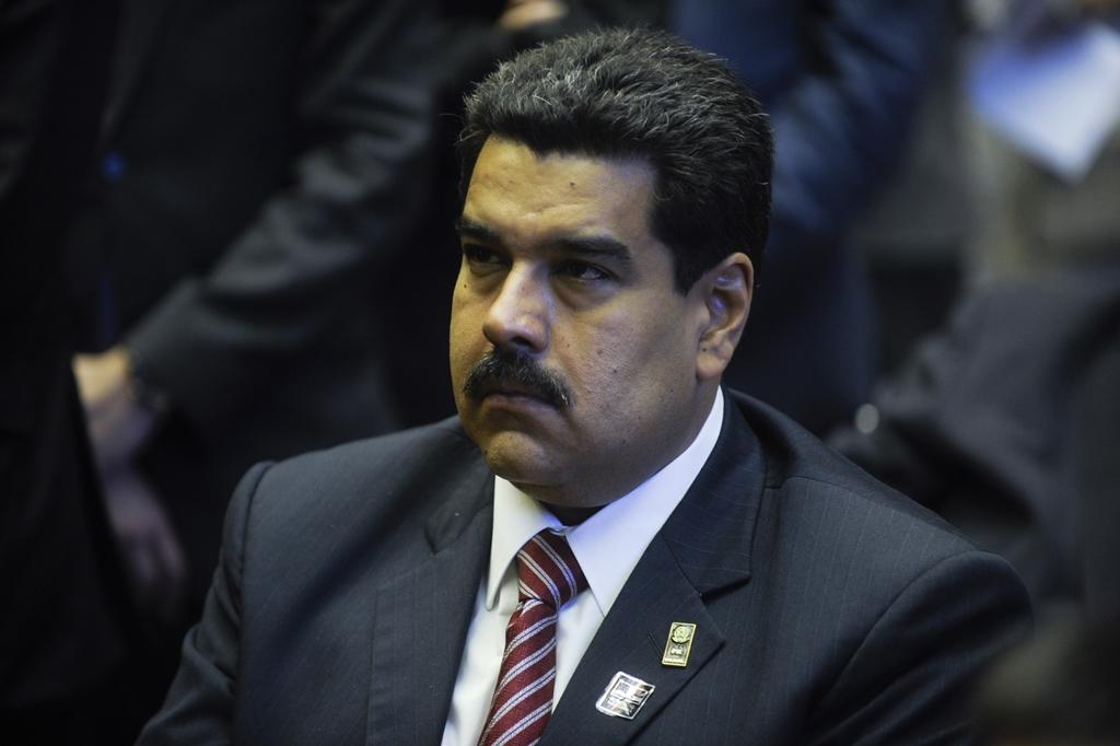 Maduro toma posse hoje para 2º mandato cada vez mais isolado