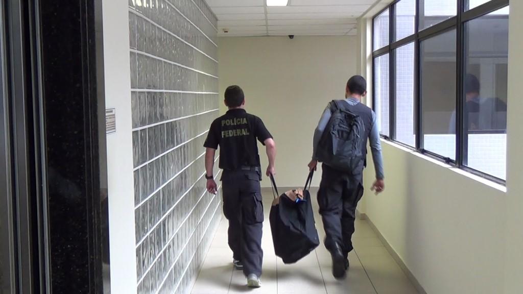 PF prende cinco pessoas no RN utilizando material pornográfico infantil pela internet