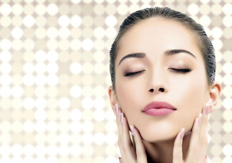 Você sabia que ficar alguns dias sem usar maquiagem pode ajudar na beleza da pele?