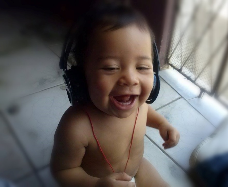 Qual a importância da música na vida da criança e que efeito faz para o bebê?