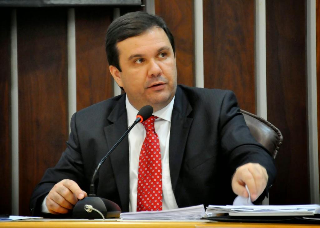 Justiça bloqueia bens de deputado estadual e mais sete pessoas no RN