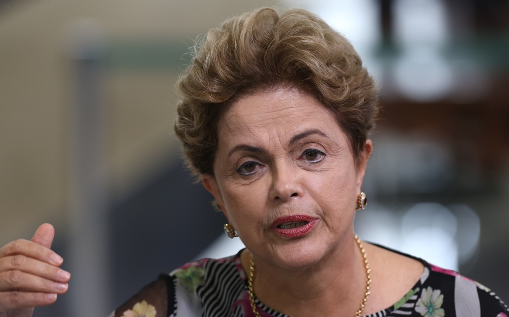 Senado abre processo de impeachment contra Dilma