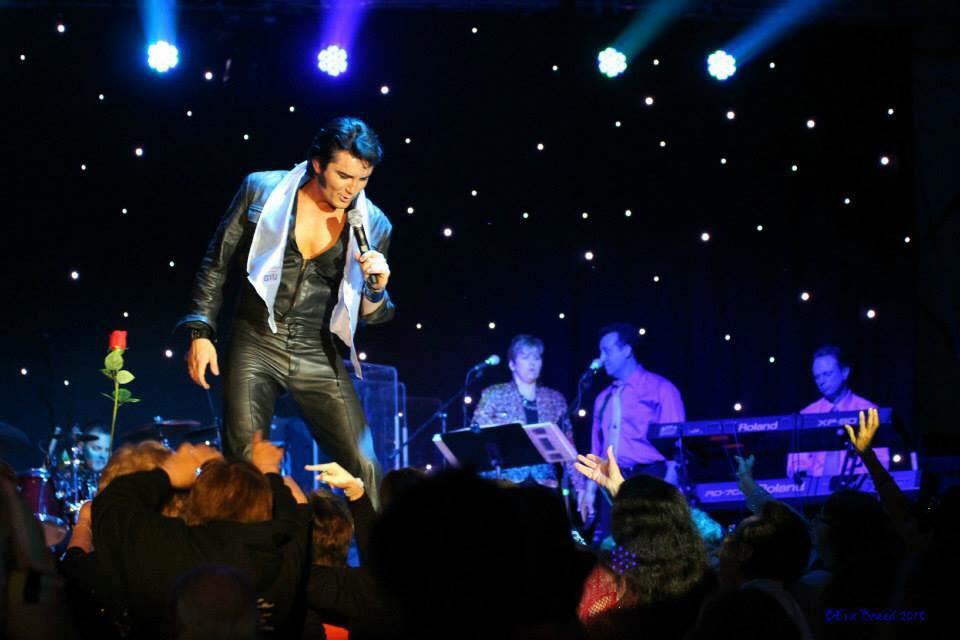 Melhor tributo a Elvis Presley vem de Londres para Natal
