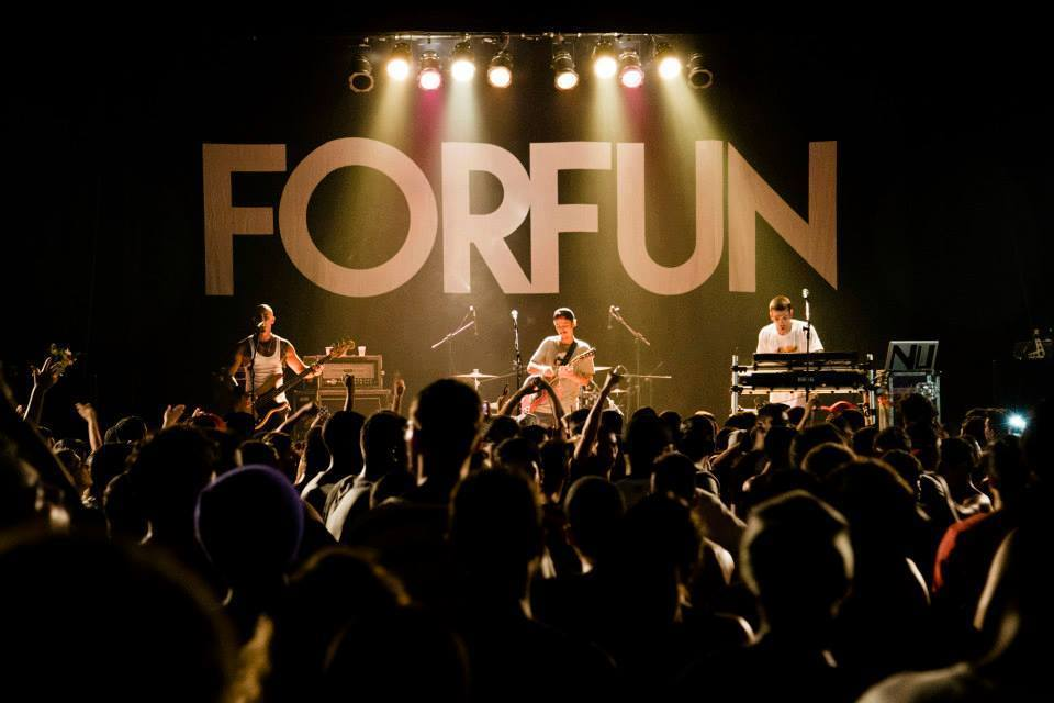 Em último show em Natal, Forfun agita o Vila Hall com sua 'Turnê de Despedida'