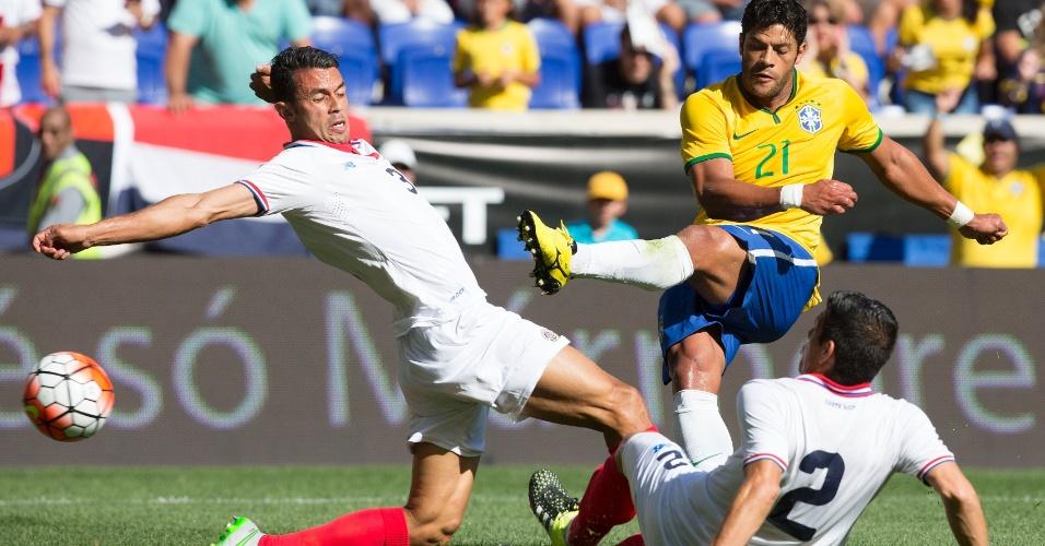 Com péssima transmissão da TV, Brasil vence Costa Rica com boa atuação de Douglas Costa