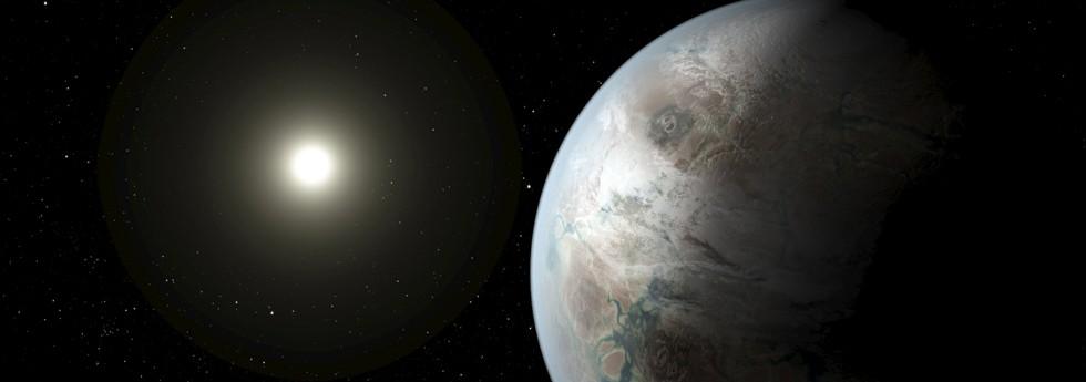 Edward Snowden insinua que alienígenas estão tentando fazer contato com a Terra