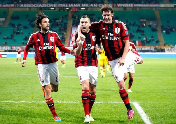 Em jogo equilibrado, Milan vence Udinese fora de casa no Campeonato Italiano