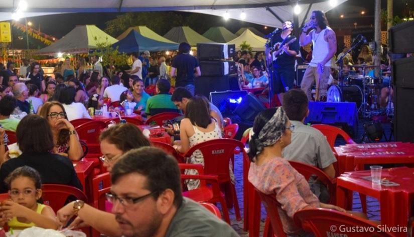 Feira da Praça da Árvore de Mirassol une gastronomia e oficinas artesanais