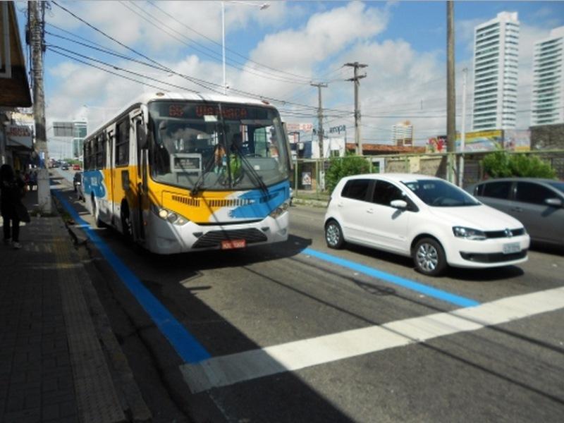 Avenida Salgado Filho começa ser sinalizada para receber corredor semi-exclusivo