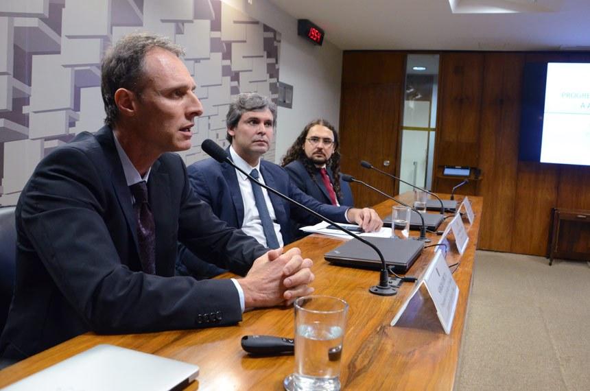 Impostos no Brasil pesam mais sobre os pobres, dizem pesquisadores do Ipea