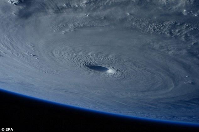 Cientistas alertam para nova classe de tempestades tropicais devastadoras