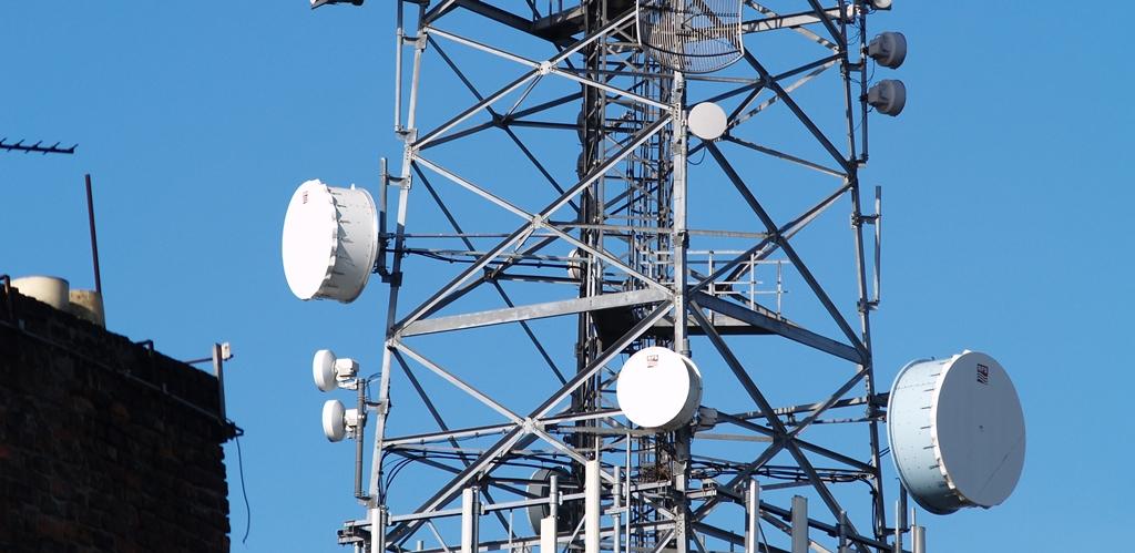 Comissão aprova troca de multas da Anatel por investimentos em áreas de baixo IDH