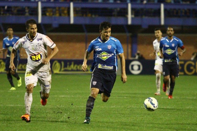 Cruzeiro arranca empate com Avaí na Ressacada