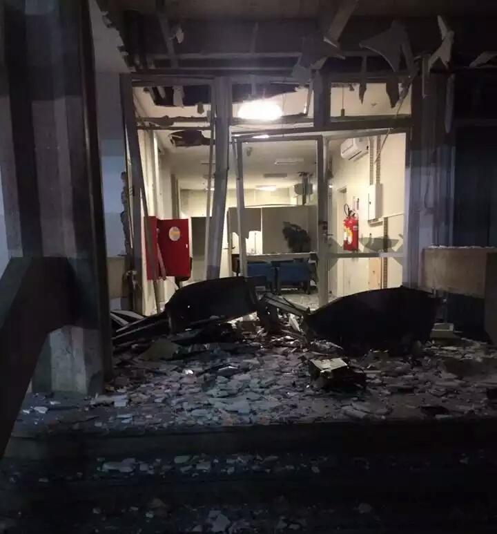 Quadrilha explode caixa eletrônico na Reitoria da UFRN