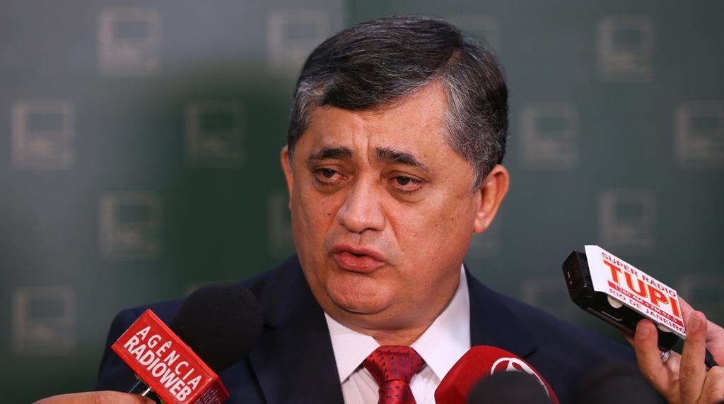 Impeachment não preocupa Executivo, nem base aliada, diz líder do governo
