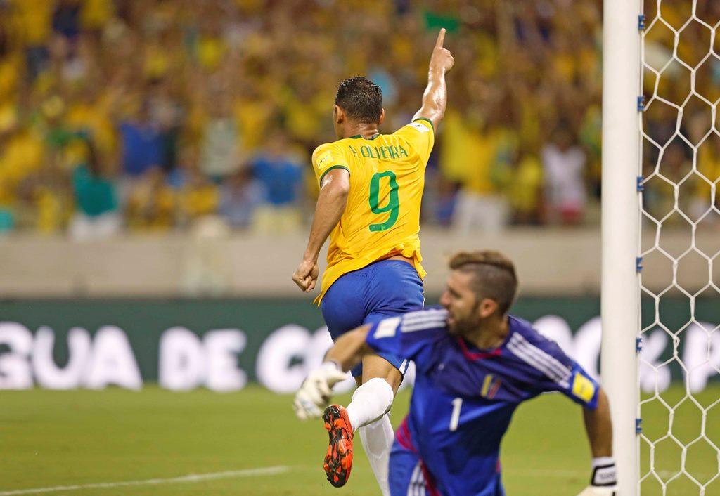 Brasil vence a Venezuela por 3 a 1 em Fortaleza