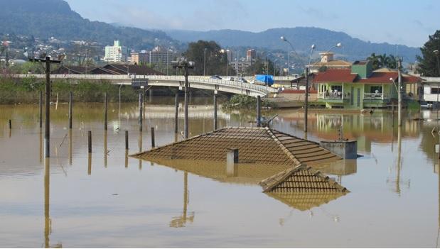 Enem é suspenso em dois municípios de Santa Catarina em razão das chuvas
