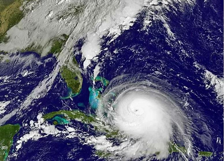 Furacão Joaquim deixa Bahamas em estado de emergência e segue para os EUA