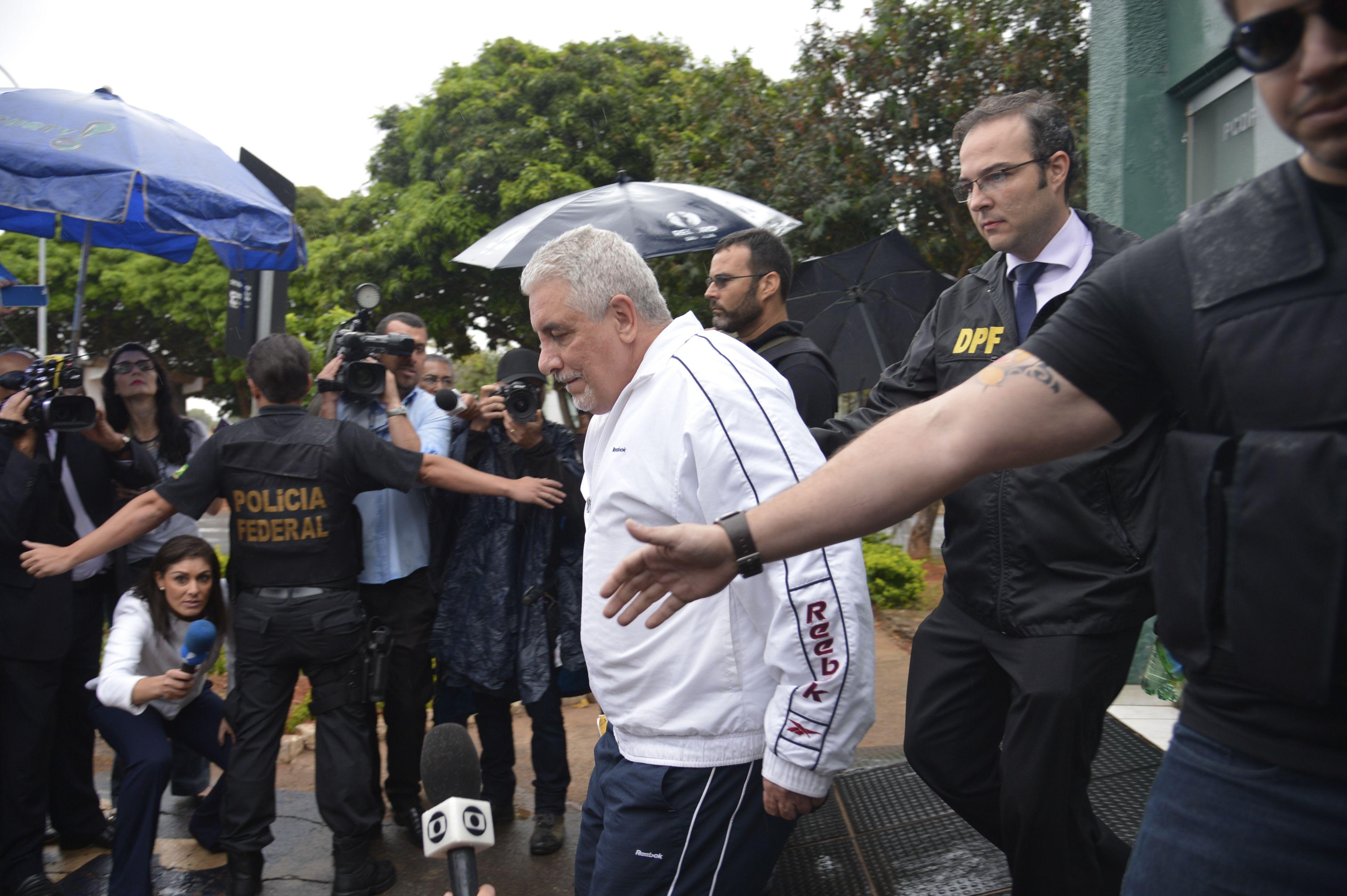 Henrique Pizzolato chega ao Brasil para cumprir pena do mensalão