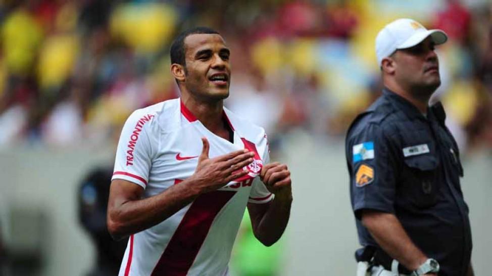 O caô voltou: Inter bate o Flamengo em pleno Maracanã