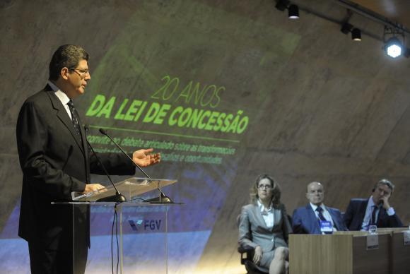 Estabilidade fiscal recolocará Brasil na rota do crescimento, diz Joaquim Levy